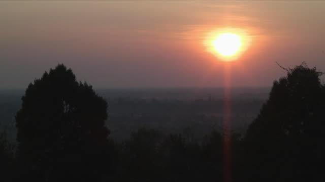 ws sunset over angkor wat, angkor wat, cambodia - angkor stock videos and b-roll footage