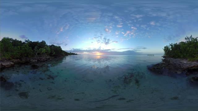vídeos de stock e filmes b-roll de sunset over belize - panorama equiretangular
