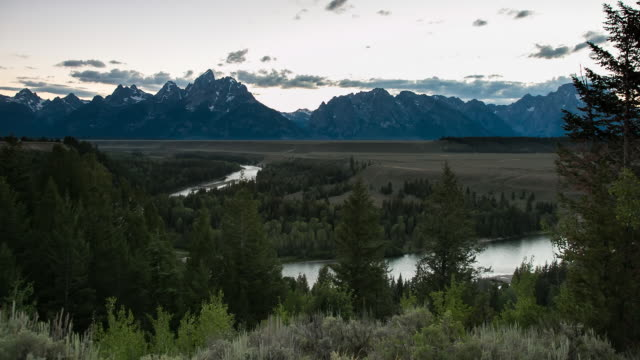 ws t/l sunset over grand teton mountain / grand teton national park, wyoming, united states - grand teton stock-videos und b-roll-filmmaterial