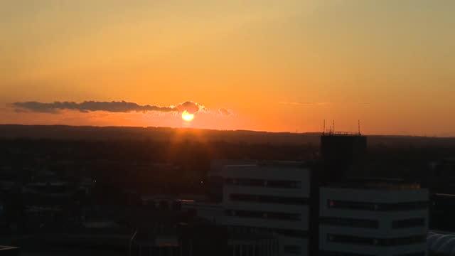 sunset over hull - rumpf stock-videos und b-roll-filmmaterial