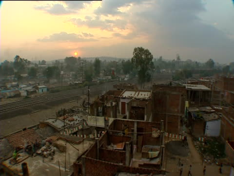 stockvideo's en b-roll-footage met sunset over the city of bhopal - bhopal