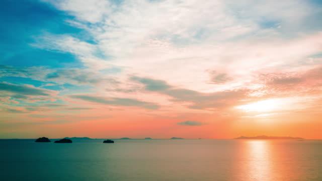 vidéos et rushes de coucher de soleil sur la mer  - crépuscule