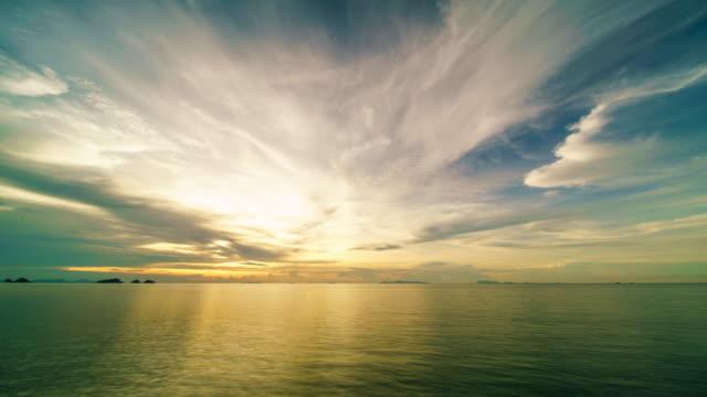 stockvideo's en b-roll-footage met zonsondergang boven de zee - opeenvolgende serie