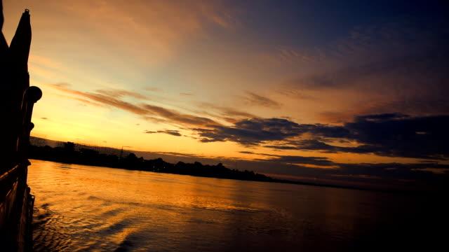 Zonsondergang rivier