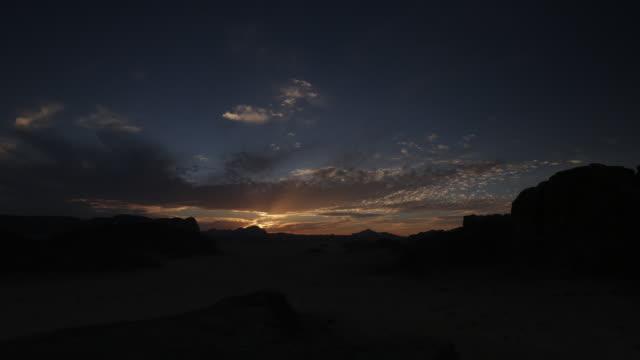 sunset scenery - formazione rocciosa video stock e b–roll