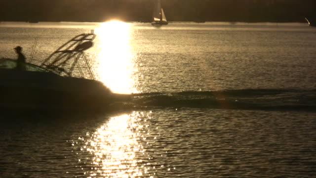 Tramonto sci barca