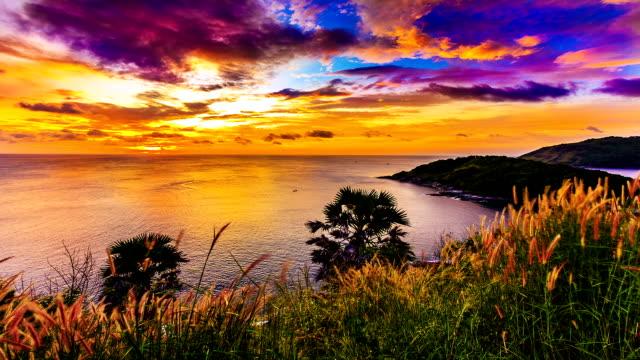 Sunset / Sunrise over sea