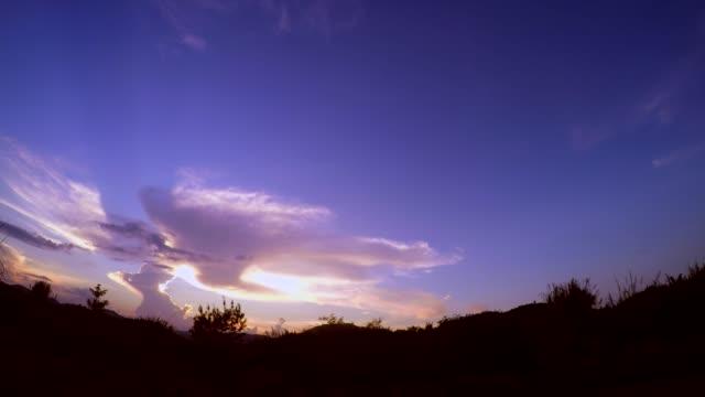 vídeos de stock, filmes e b-roll de tempo do sol - cottonwood canyon