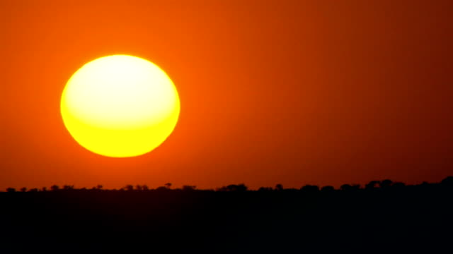 vidéos et rushes de a sunset timelapse/ kalahari/ northern cape/ south africa - coucher de soleil