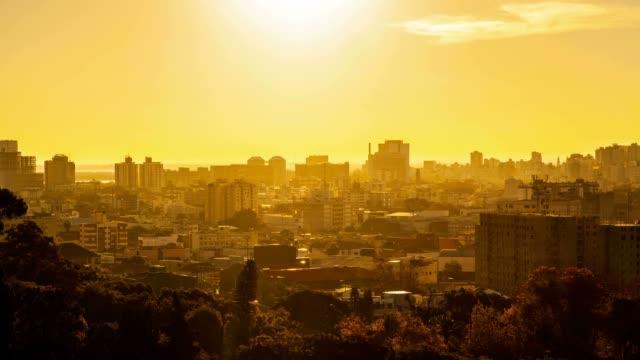 vídeos de stock, filmes e b-roll de pôr-do-sol - camada de ozônio