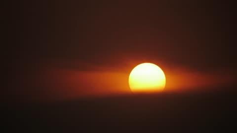 bei sonnenuntergang - sunset stock-videos und b-roll-filmmaterial