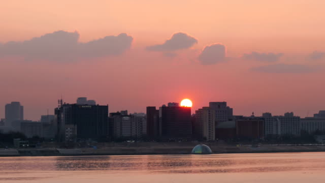 sunset view of hangang park in yeouido-dong - 1 minute or greater stock videos & royalty-free footage