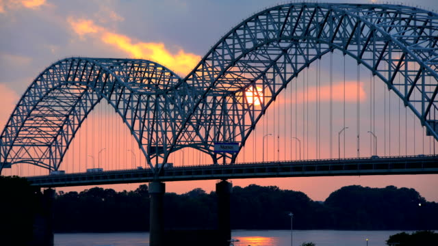 sunset view of hernando desoto bridge mississippi river - memphis tennessee stock videos & royalty-free footage