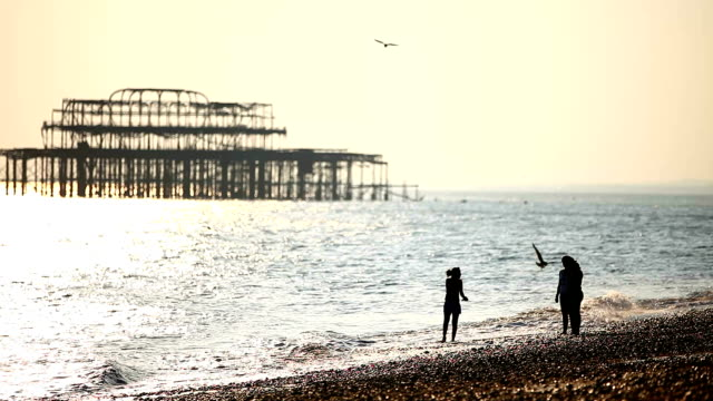 sunset_brighton - brighton brighton and hove stock-videos und b-roll-filmmaterial