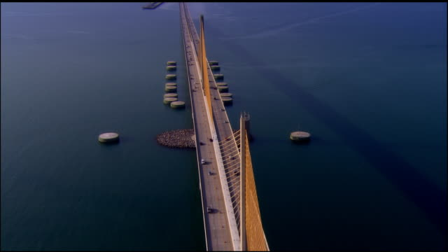 LOW AERIAL, Sunshine Skyway Bridge, St. Petersburg, Florida, USA
