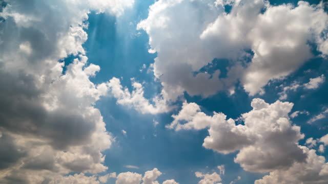 Sunshine via den cloud timelapse