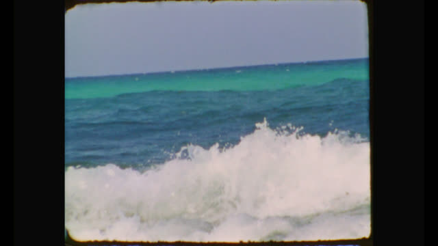 vídeos de stock e filmes b-roll de super 8 film - caribbean sea - estilo retro