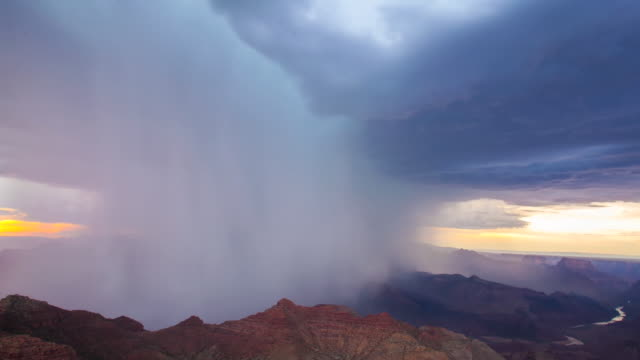 vídeos de stock, filmes e b-roll de super cell grand canyon timelapse - grand canyon national park
