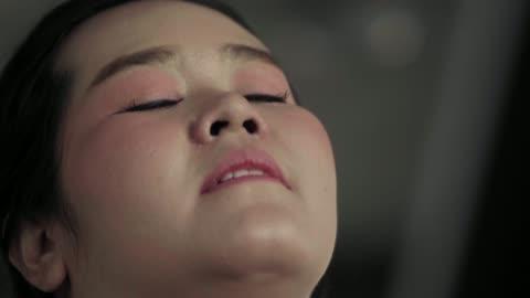vídeos y material grabado en eventos de stock de super slow motion: mujer gorda corriendo - derrota