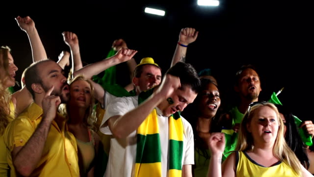 Super Slow Motion HD - Brazil fans singing/chanting