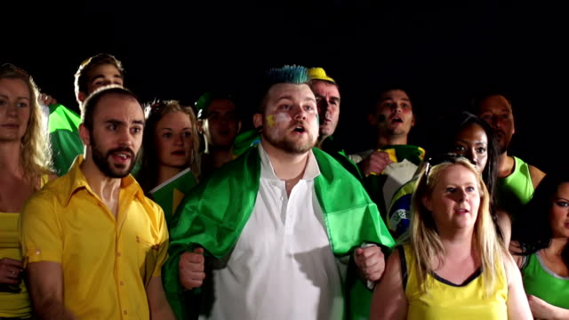 stockvideo's en b-roll-footage met super slow motion hd - brazil fans, supporters, crowd celebrate - juichen