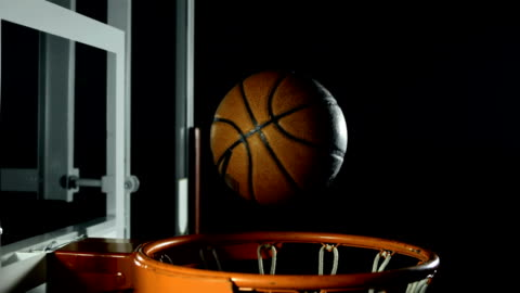 vídeos y material grabado en eventos de stock de hd super cámara lenta: falta la canasta de baloncesto - derrota
