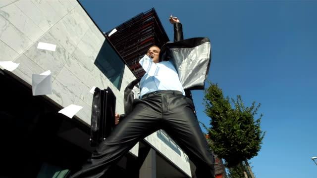 hd 超スローモーション: ビジネスマンの成功に乾杯! - 朗らか点の映像素材/bロール