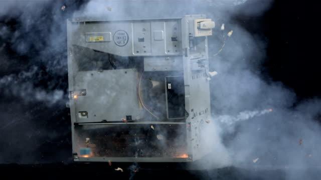 super zeitlupe, hd: computer tower explosion - heruntergekommen stock-videos und b-roll-filmmaterial