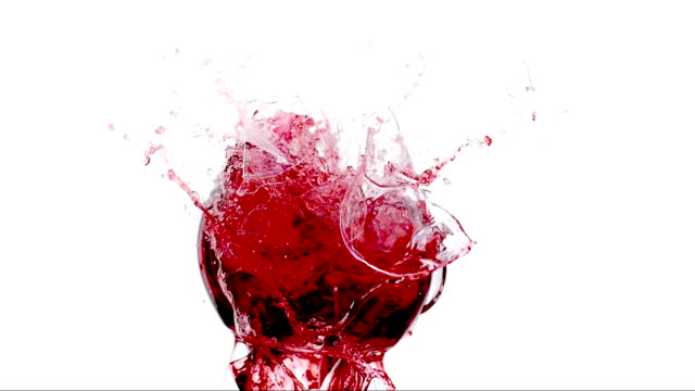 hd super slow-motion: smashing da vino - bicchiere da vino video stock e b–roll