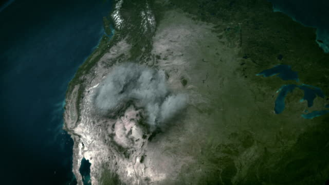 stockvideo's en b-roll-footage met a super volcano erupts, spewing ash across north america. - active volcano