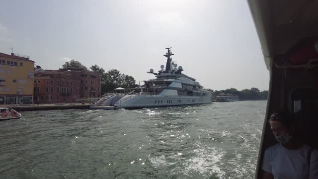 """super yacht """"bravo eugenia"""", belonging to the us billionaire jerry jones, owner of the dallas cowboys is docked on june 21, 2021 in venice, italy.... - raw footage stock videos & royalty-free footage"""