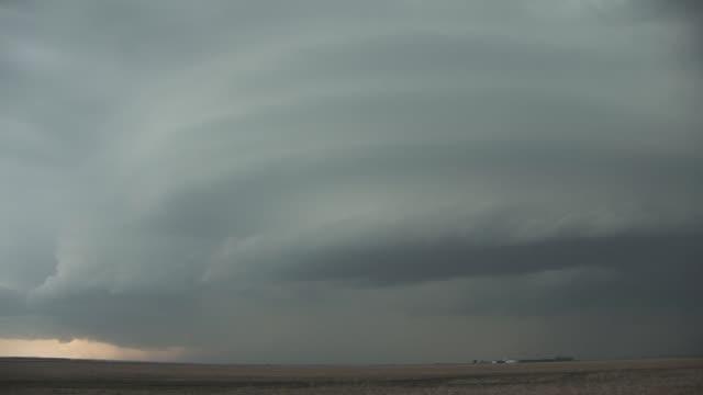 a supercell storm forms near aberdeen south dakota available in hd - south dakota stock-videos und b-roll-filmmaterial