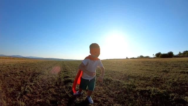スーパーヒーローラン - ヒーロー点の映像素材/bロール