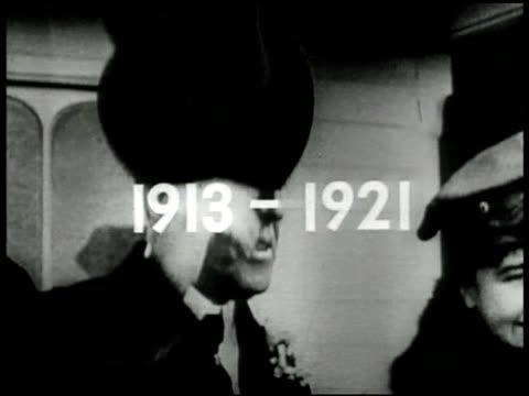 vídeos y material grabado en eventos de stock de '19131921' superimposed over cu president woodrow wilson tipping hat w/ wife first lady edith bolling wilson at ceremony ext ms wilson and edith... - woodrow wilson