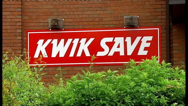 supermarket chain kwik save witholding wages and redundancy payments; england: nottingham: ext general view of closed branch of kwik save supermarket... - chain store stock videos & royalty-free footage