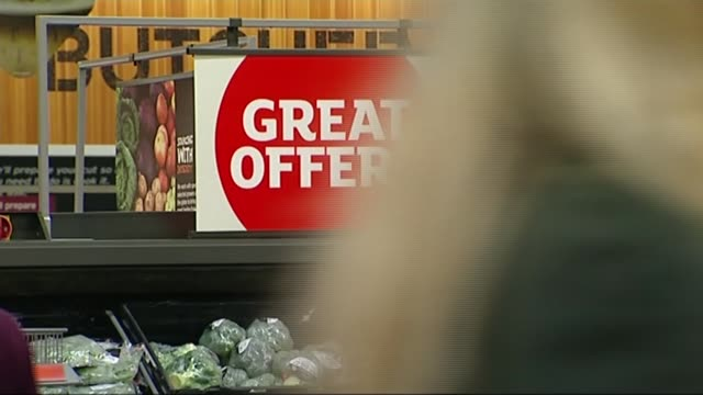 supermarket pricing criticised in competition watchdog report nisha arora interview sot/ 'great offers' sign in supermarket 'any 2 for 4 pounds' sign... - 生鮮食品コーナー点の映像素材/bロール
