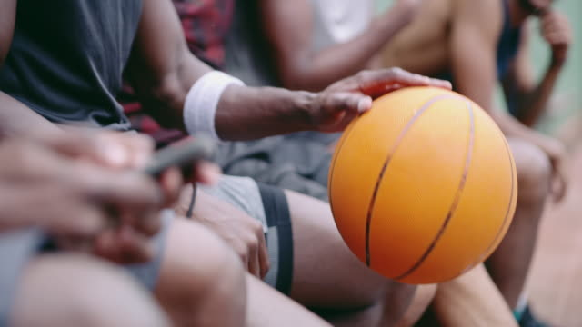 A superstar basketball team uses smart apps