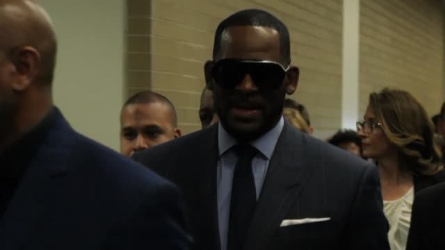 stockvideo's en b-roll-footage met rb superstar r kelly is in custody for failing to pay child support says his publicist just weeks after he was briefly detained on sex abuse charges - publiciteitsmedewerker
