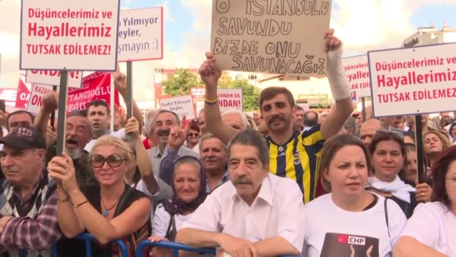 supporters gather outside court as hearings resume for an opposition politician who faces 17 years in prison for a series of tweets criticising the... - court hearing stock videos and b-roll footage