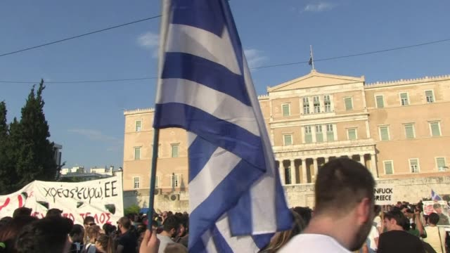 supporters of a no vote in greeces upcoming referendum gathered in athens urging people to vote against the latest bailout proposal being offered to... - referendum stock-videos und b-roll-filmmaterial