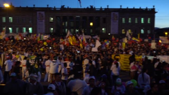 vídeos y material grabado en eventos de stock de supporters of colombian presidential candidate gustavo petro of the colombia humana party rally in bogota on may 17 2018 - político