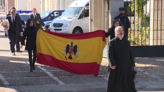 stockvideo's en b-roll-footage met supporters of francisco franco attend a demonstration in front of the mingorrubio cemetery in el pardo where the spanish dictator francisco franco's... - pardo