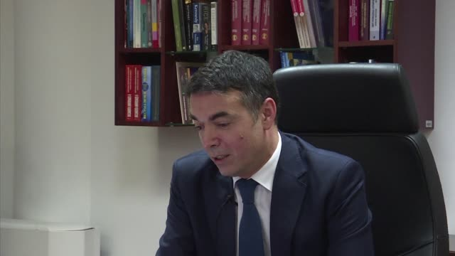 vídeos de stock, filmes e b-roll de supporters of macedonia's name change deal with greece are on the right side of history and their critics will eventually agree macedonia's foreign... - república da macedônia