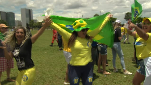 supporters of new brazilian president jair bolsonaro celebrating in brasilia on the day of his inauguration - inauguration into office stock videos & royalty-free footage