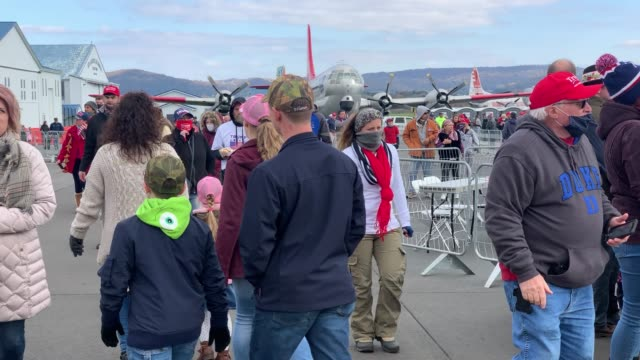 supporters of president donald trump arrive to a rally on october 31, 2020 in reading, pennsylvania. donald trump is crossing the crucial state of... - pennsylvania stock-videos und b-roll-filmmaterial