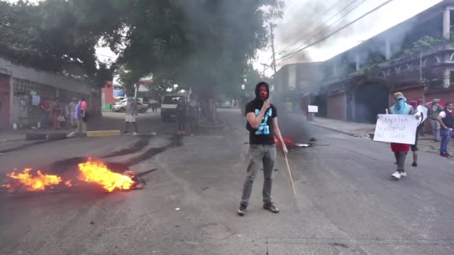 Supporters of presidential candidate for the Honduras opposition Salvador Nasralla clashed with police on Friday during protests in the capital