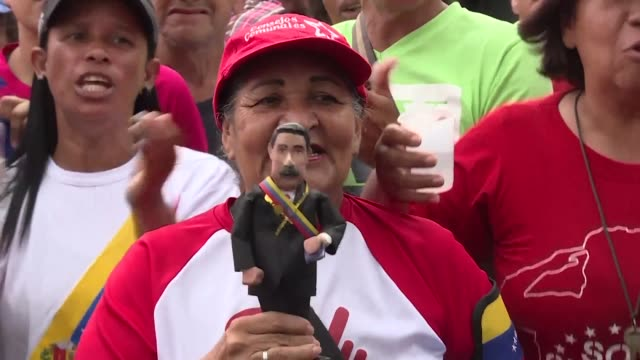 supporters of venezuelan president nicolas maduro gather in several neighborhoods in caracas and march to the government palace to show their support... - maduro stock videos & royalty-free footage