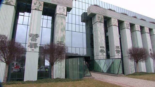 vidéos et rushes de supreme court in warsaw - varsovie