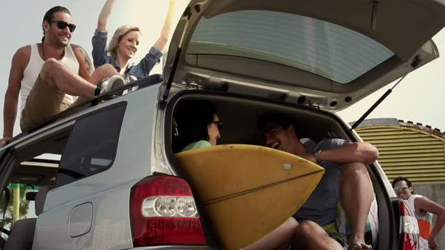 surftrip - surfbrett stock-videos und b-roll-filmmaterial