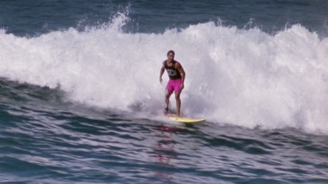 ws pan surfer / oahu, hawaii - water sport stock videos & royalty-free footage